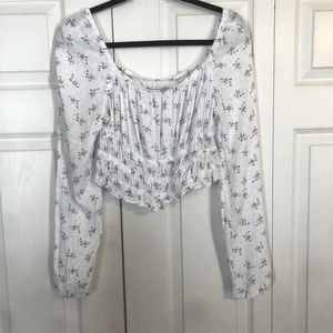 URBAN OUTFITTERS Med White Floral Long Sleeve Crop